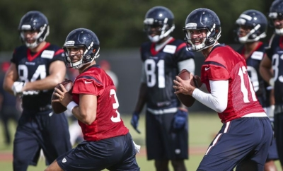 9414505-nfl-houston-texans-training-camp-850x560